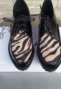 Zapatos nuevos, de mujer, con su caja, n 39,