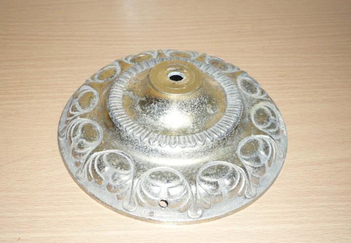 Antiguo floron metal grabado. 16 x 5 cm.