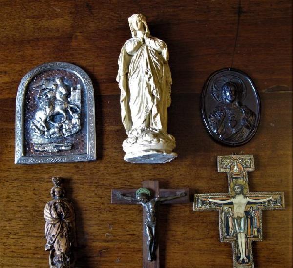 Lotes de cruces y objetos religiosos