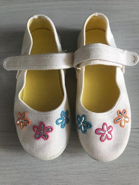 Lote zapatos y zapatillas número 27/28