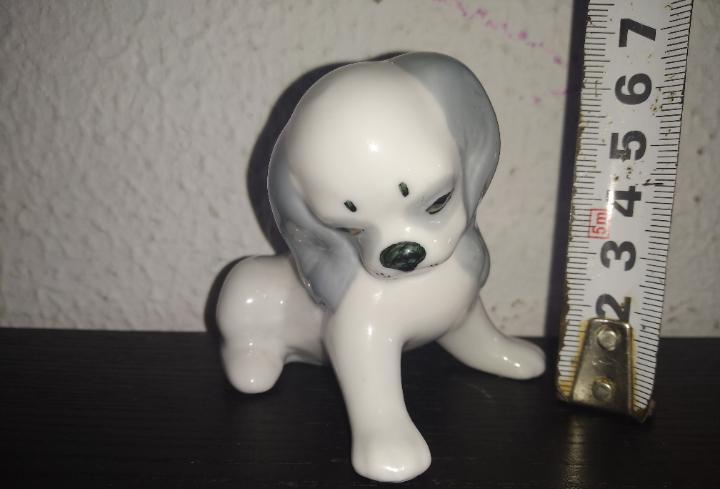 Precioso y antiguo perro porcelana bone china japan
