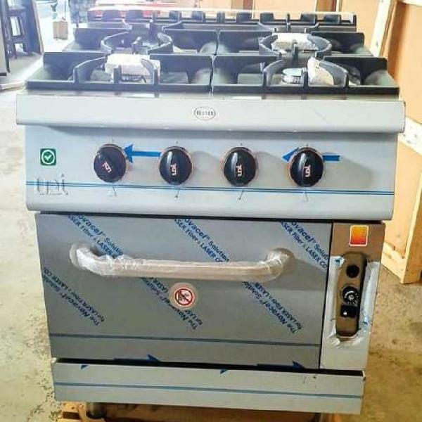 Cocina industrial de 4 fogones más horno