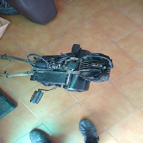 Motor derbi v box