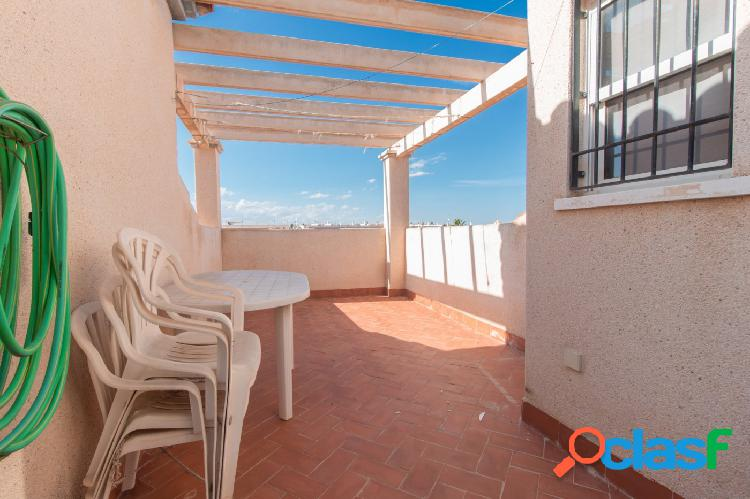 Ganga-bungalow de 2 dormitorios en zona playa flamenca con piscina y parking comunitario