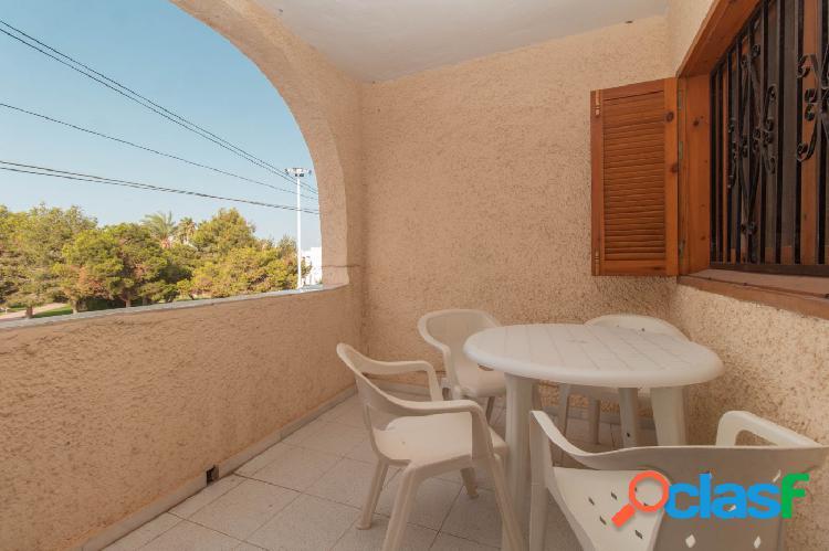 GANGA-Bungalow dúplex en zona Calas Blancas de 2 dormitorios con solárium y piscina comunitaria