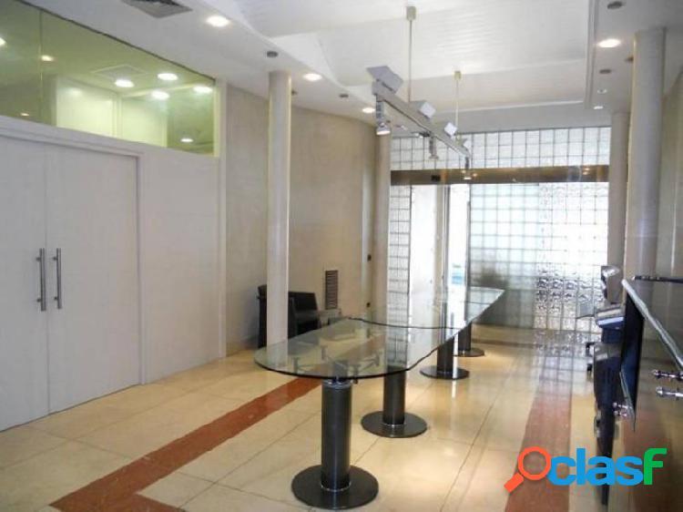 Local comercial de 220 m² c/ pere martell nº 39