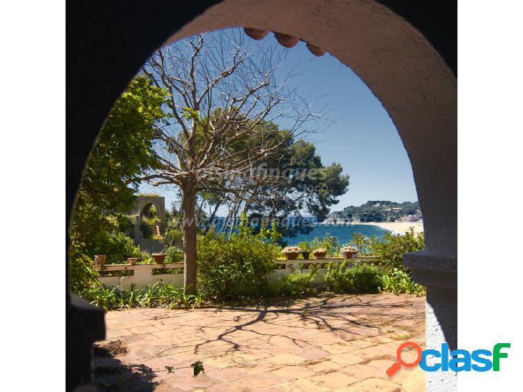 Un oasis en el centro de lloret a pocos metros de la playa, con licencia turística