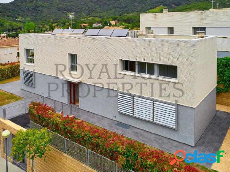 Villa moderna en un bello entorno cerca de barcelona