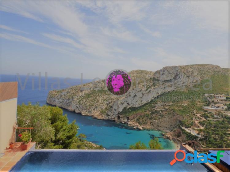 Espectacular villa con vistas al mar en granadella javea