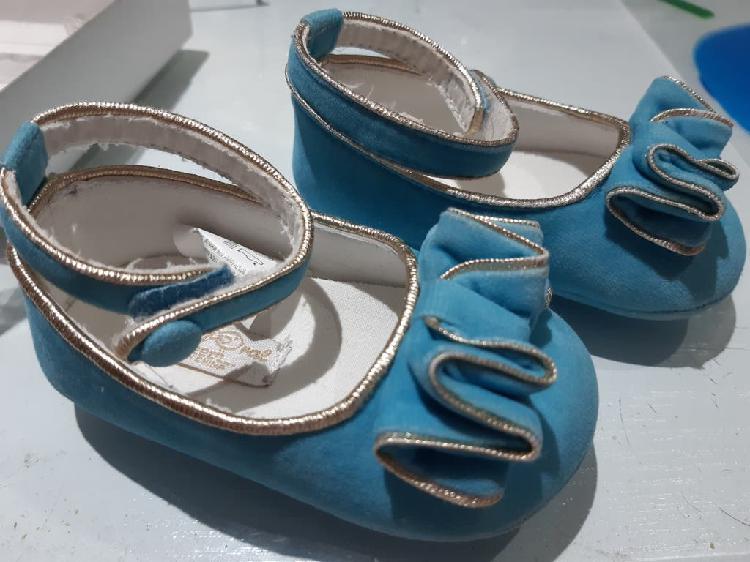 2 pares de zapatos niña numero 18