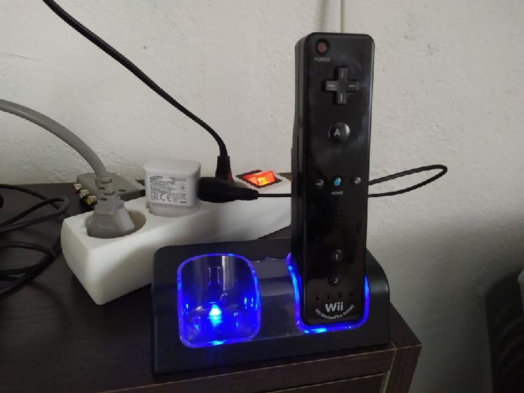 Cargador mandos wii + mando para reparar