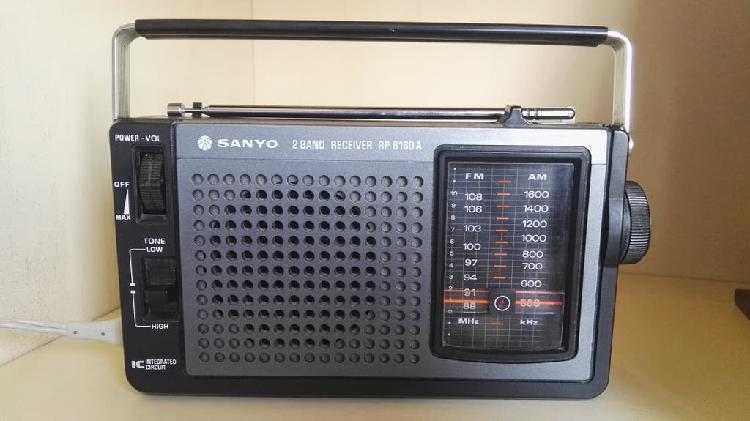 Radio sanyo años 70, rp 6160 funcionando, en buen