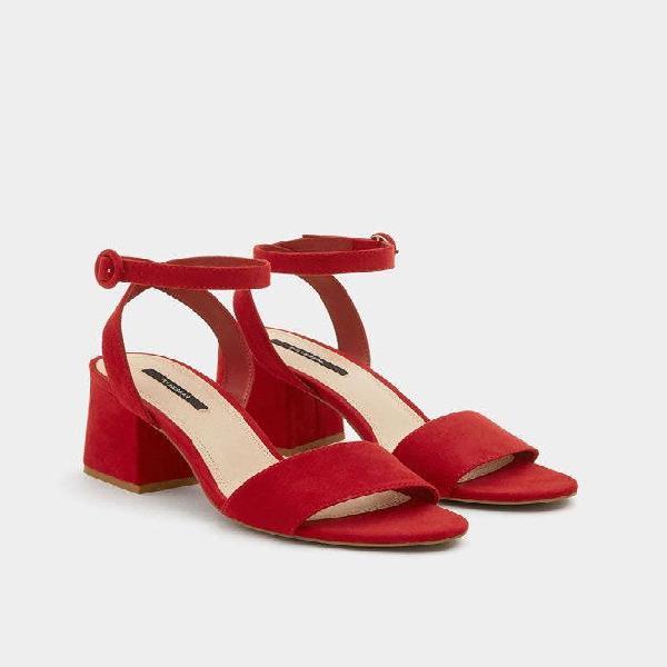Sandalia roja pull&bear talla 39