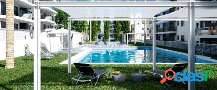 Ático de 2 dormitorios con solárium privado y piscina comunitaria en Villamartín 2
