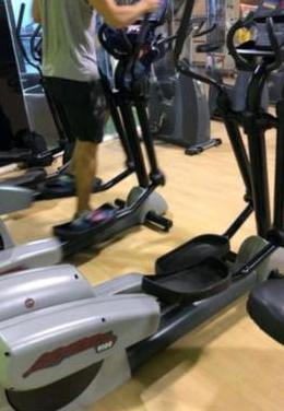 Eliptica life fitness 9100