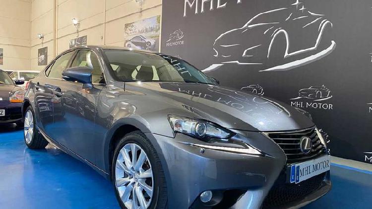 Lexus is 300h hybrid drive tecno