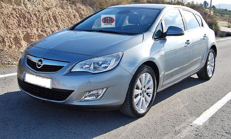 Opel astra 1. 7cdti 110cv cosmo. revisado. garantizado.