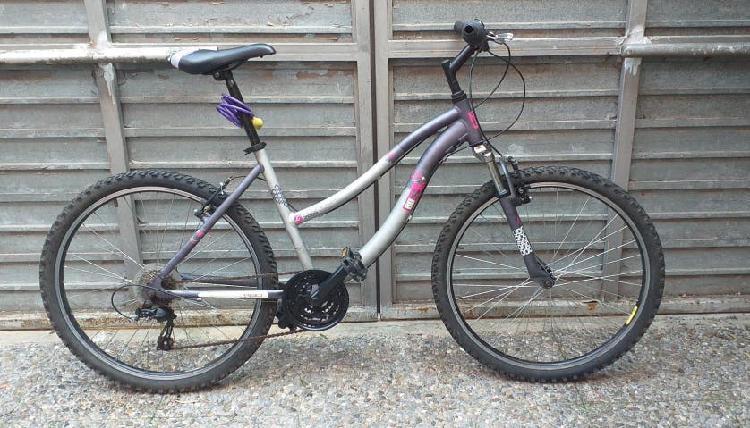 Bicicleta mountain bike adulto