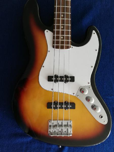 Bajo eléctrico tipo jazz bass