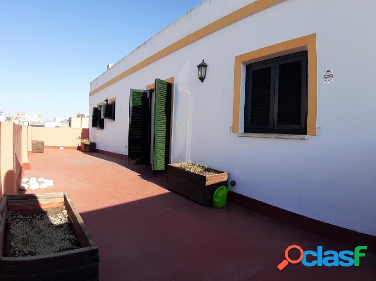 Magnifico ático en el centro de Sevilla, 2 dormitorios, salón, cocina baño y terraza de 30 metros 1