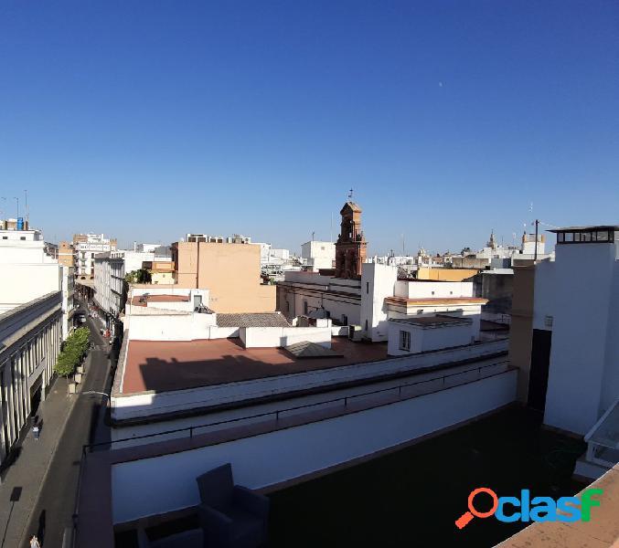 Magnifico ático en el centro de Sevilla, 2 dormitorios, salón, cocina baño y terraza de 30 metros 3