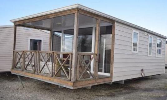 Casa movil seminueva 8,5x4 m con terraza incor...