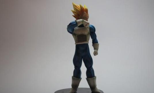 Figura de coleccionista dragon ball vegeta