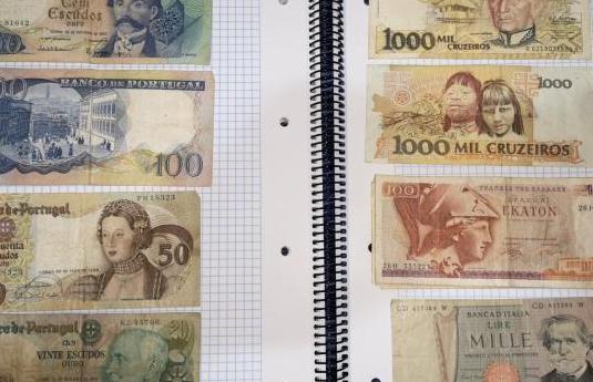 Lote 12 billetes antiguos del mundo