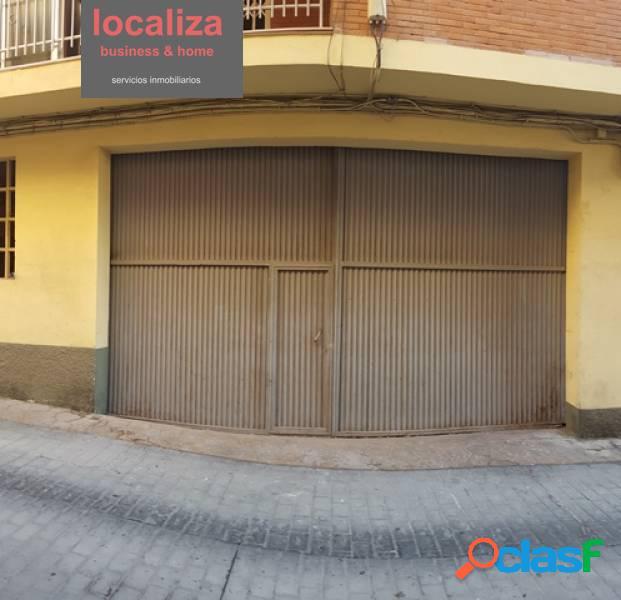Alquiler o venta de local comercial en calle Santiago Vergara 3