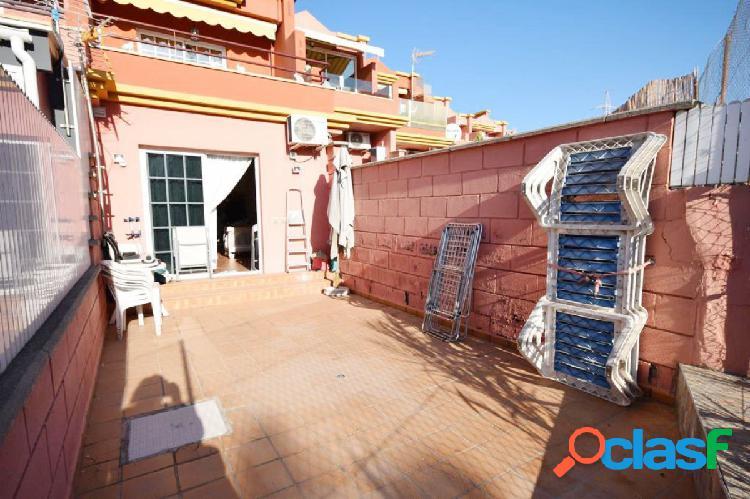 Precioso apartamento estudio amplio con gran terraza con vista al mar
