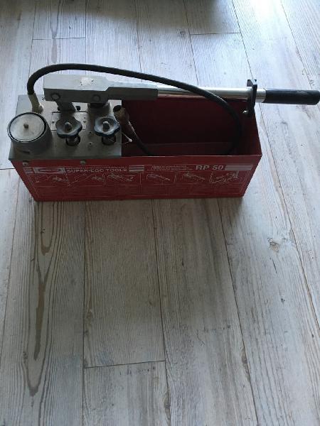 Bomba manual comprobar presion de instalaciones
