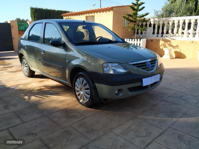 Dacia logan laureate de 2007 con 211.500 km por 1.000 eur.