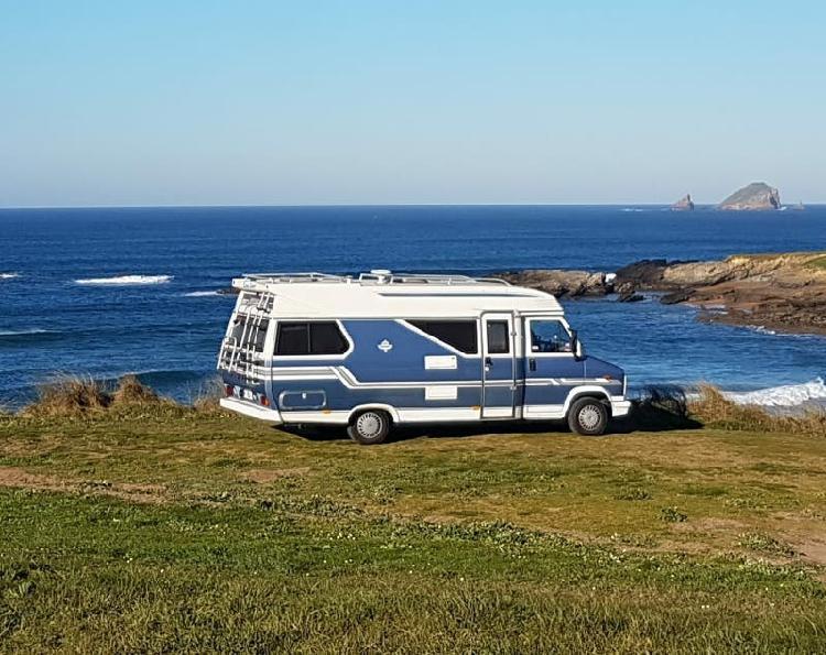 Furgoneta camper autocaravana hobby 600 cabina peugeot j5