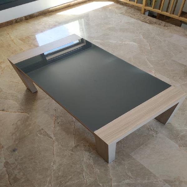 Mesa de centro y mesa de comedor con 6 sillas