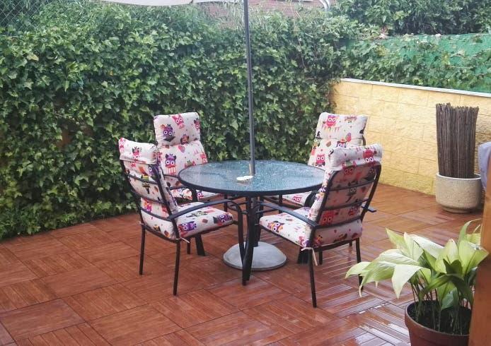 Mesa y sillones de jardin