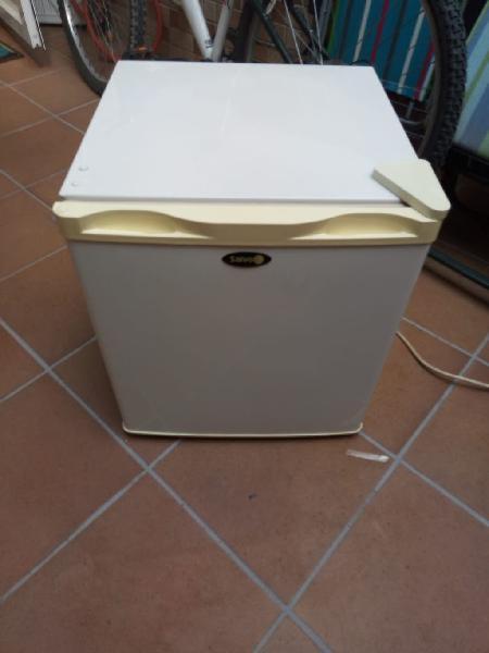 Mini nevera frigorífico portatil