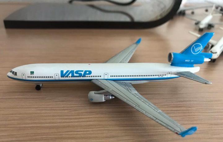 Precioso avión boeing md-11 vasp 1:460
