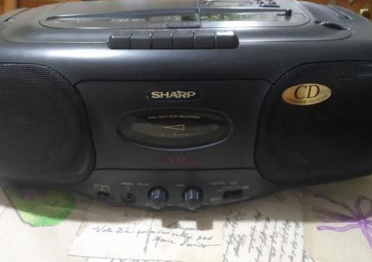 Radio cassette vintage sharp