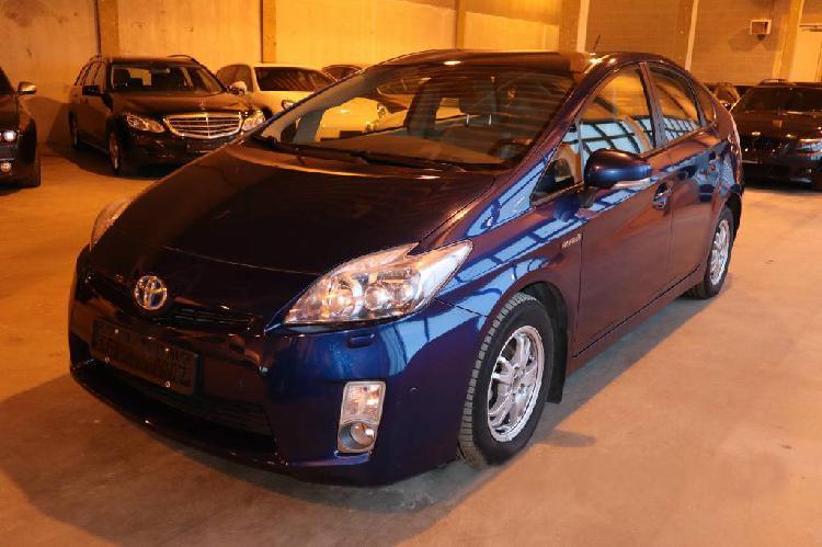 Toyota prius 1.8 136 cv used hybrid vehicle lexus bmw en