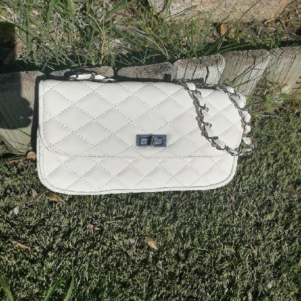Nuevo. bolso blanco piel sintetica