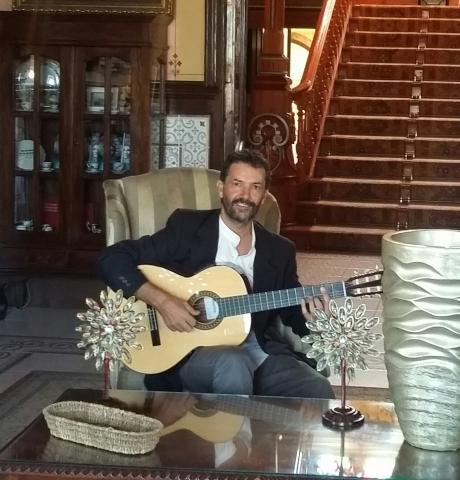 Profesor-clases de guitarra en alicante