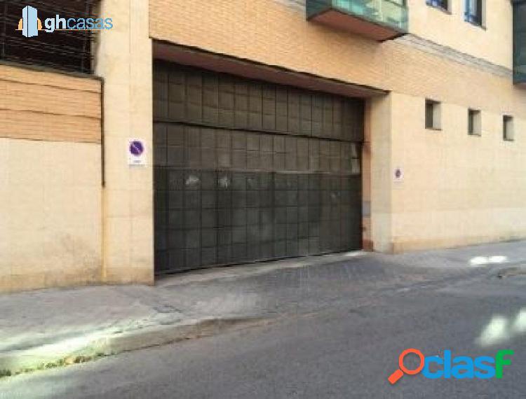 Plaza de garaje en venta en Madrid. 1
