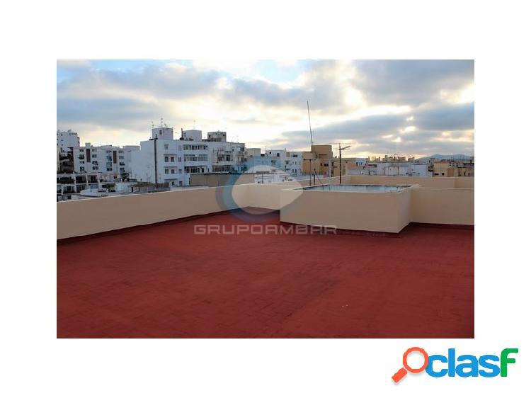 Piso en el centro de ibiza con terraza