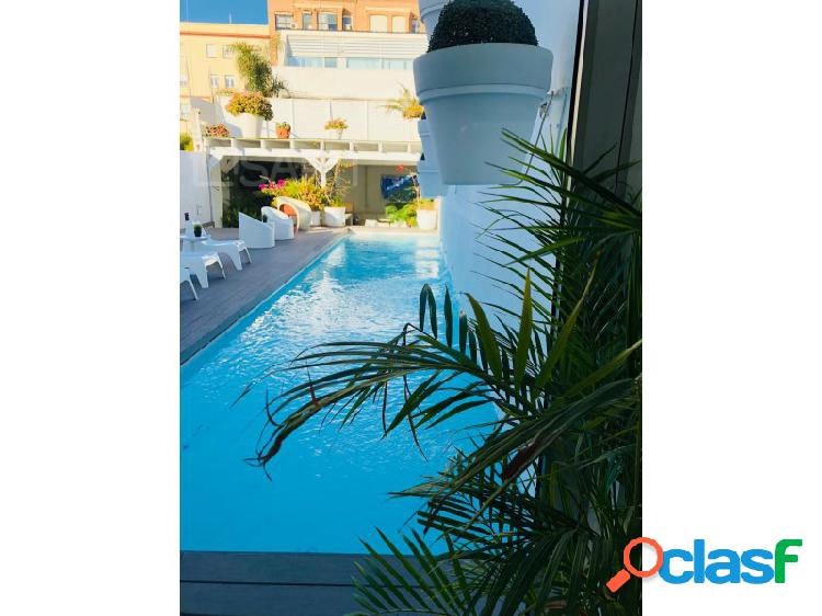 ¡Villa de lujo con vistas al mar, primera linea de la prestigiosa playa de Valencia! 1