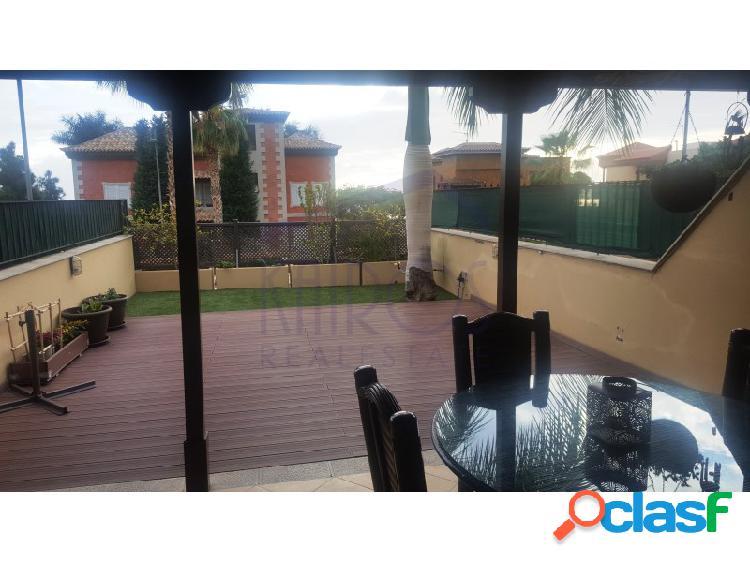 Alquiler adosado con 2 terrazas. 1550€ al mes