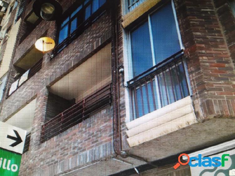 Primer piso con terraza de 100 m2.