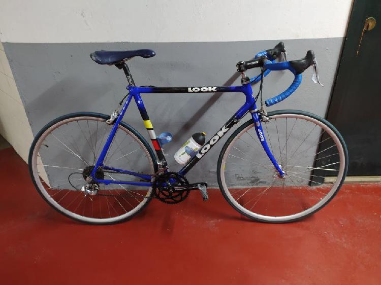 Bicicleta de carretera look