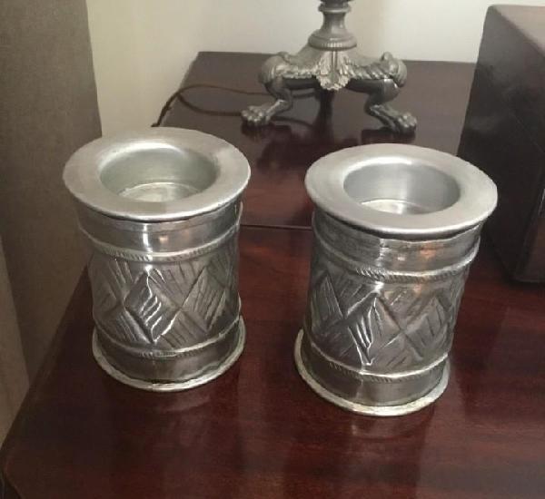 Dos portavelas de latón made in india