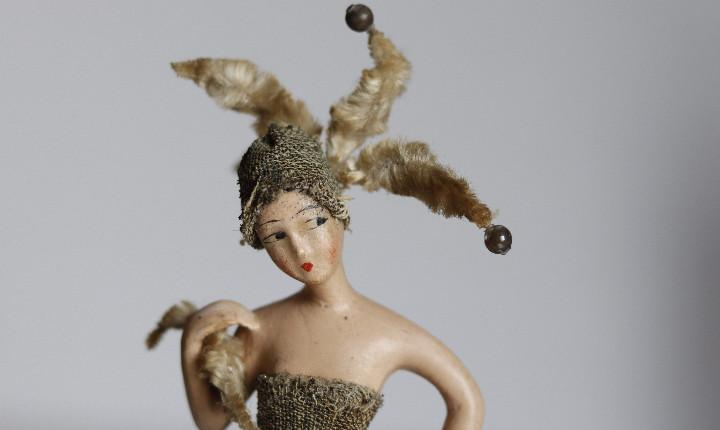 Figura de escayola revestida de cera art decó. años 20 (i)