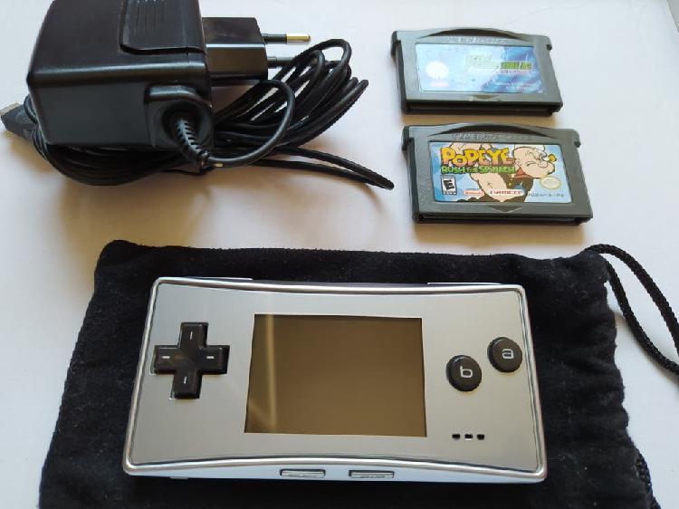 Gameboy micro, impoluta, + 2 juegos